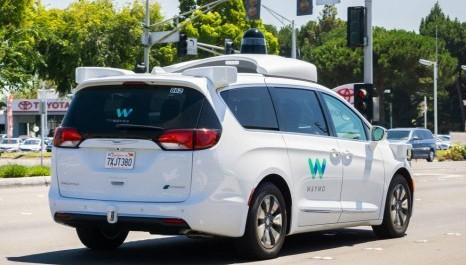 Empresa quer regras mais frouxas para testar carros sem volante