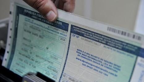 Licenciamento de carro novo fica 40,4% mais caro