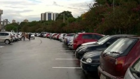 Projeto busca garantir vagas de estacionamento a pessoas com transtorno do espectro autista