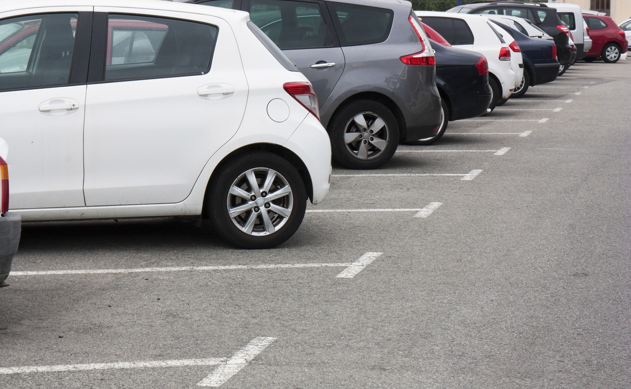 Compartilhamento de cadastro de veículos roubados com estacionamentos é aprovado