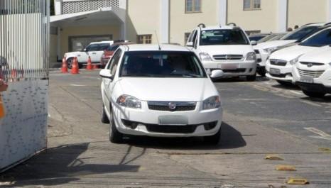 Estacionamento sem seguro pode ter alvará bloqueado