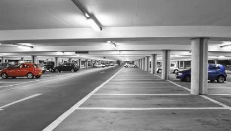 Empresa de estacionamento negocia compra para crescer