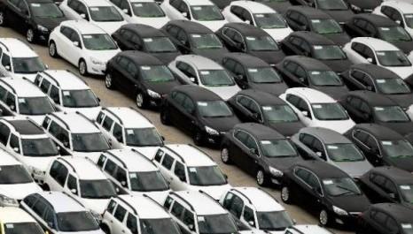 Emplacamentos de veículos registram alta de 7,35% em agosto