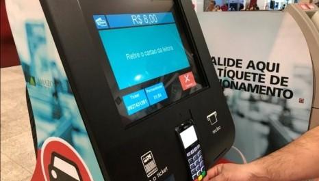 Justiça suspende lei que obrigava estacionamentos do RJ a manter funcionários em terminais de autoatendimento